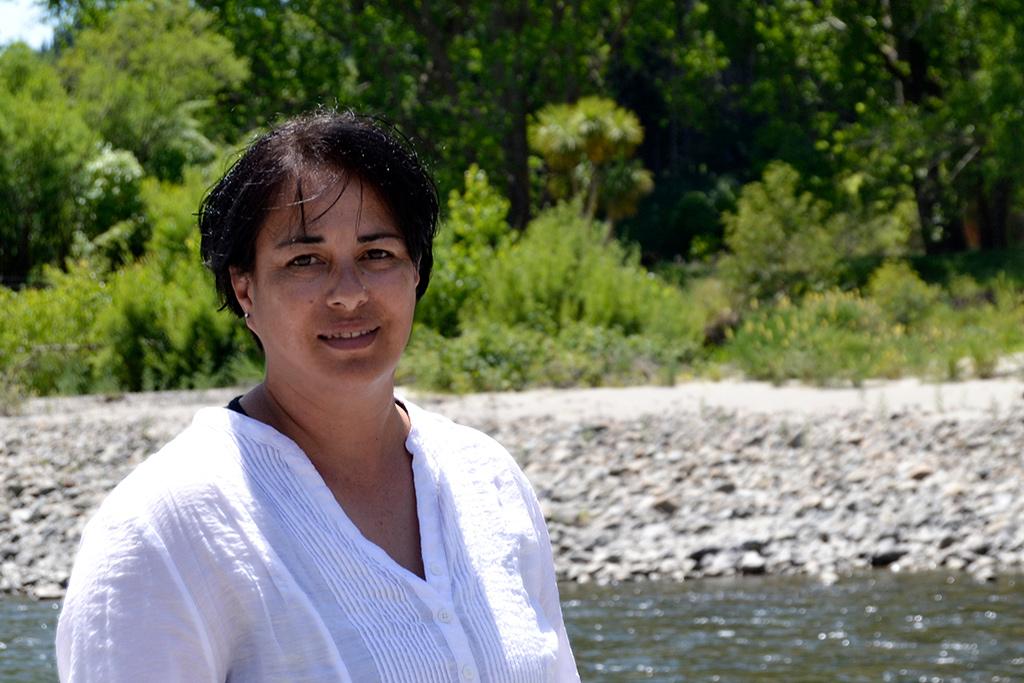 Maire Thompson - Photographer in Ashhurst, New Zealand - Happier Place