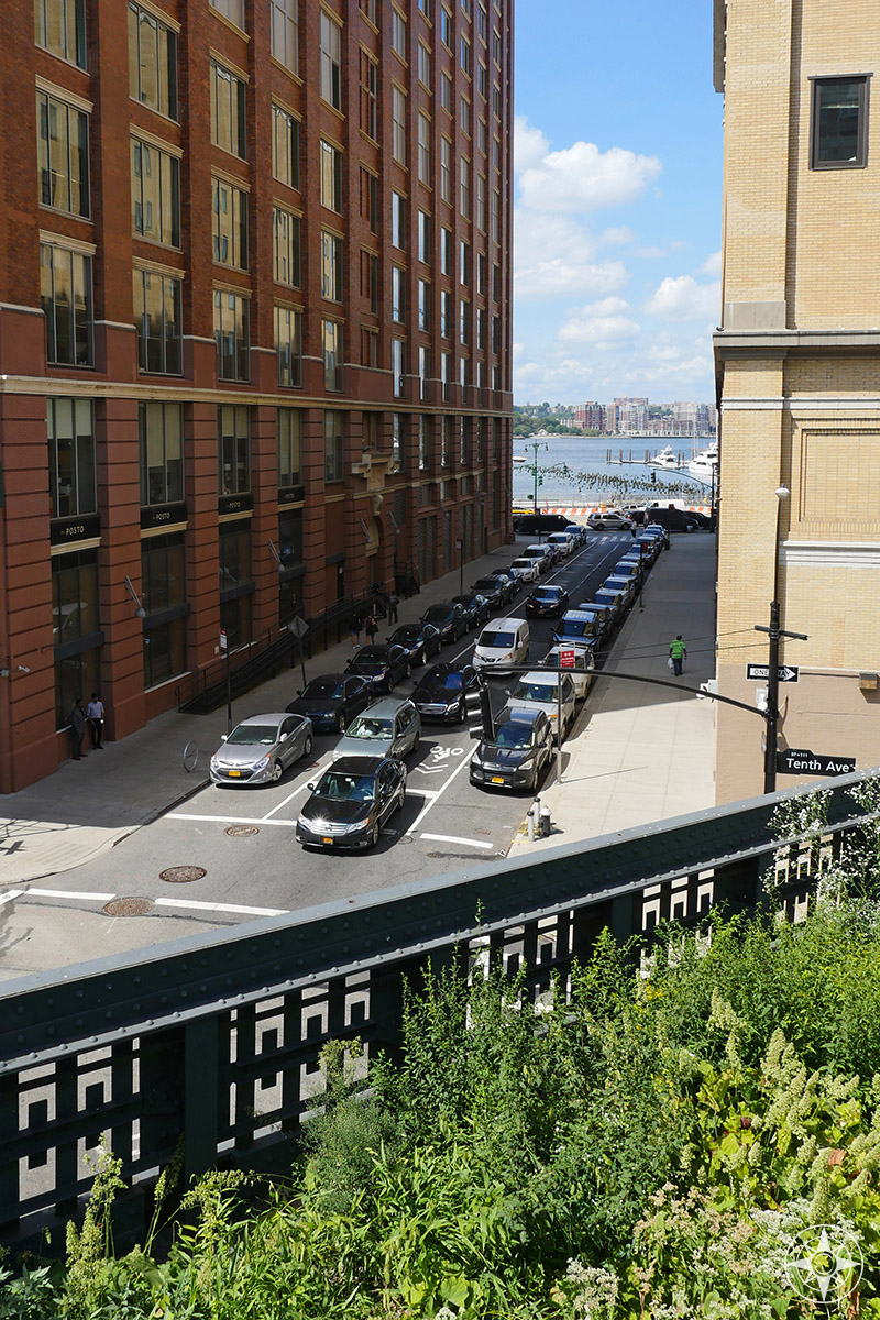 Looking west from the High Line: view of the Hudson River and cars stuck in traffic.