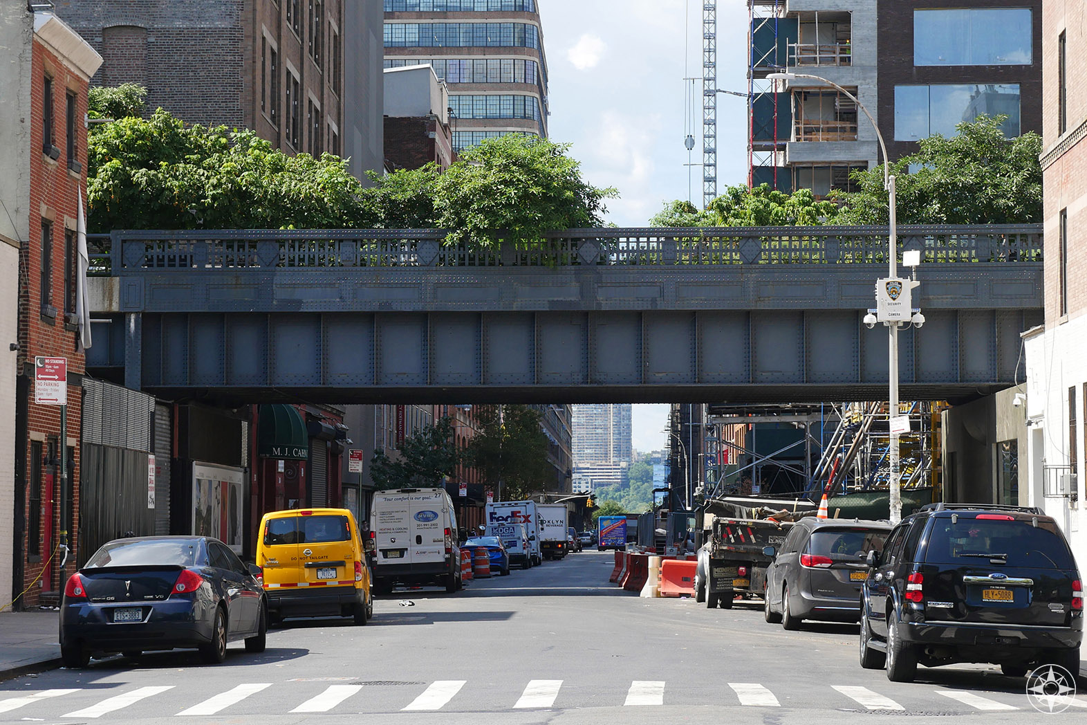 The High Line crosses 27th Street in Chelsea.