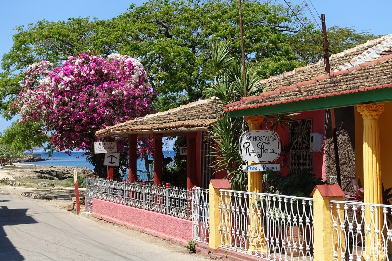 Hostal Rancho Florida - Colorful casa particular in La Boca Cuba