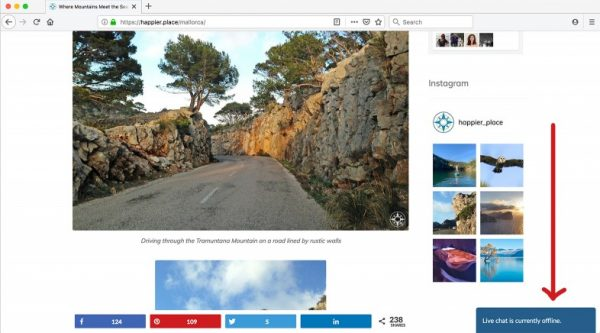 Happier Place Live Chat offline icon on Mallorca page. Computer view