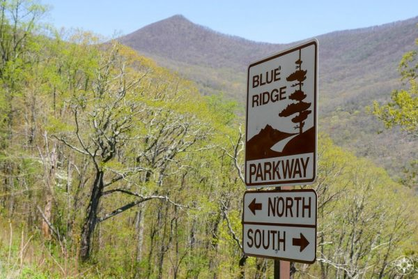 Blue Ridge Parkway, street sign, north, south, arrow, mountain