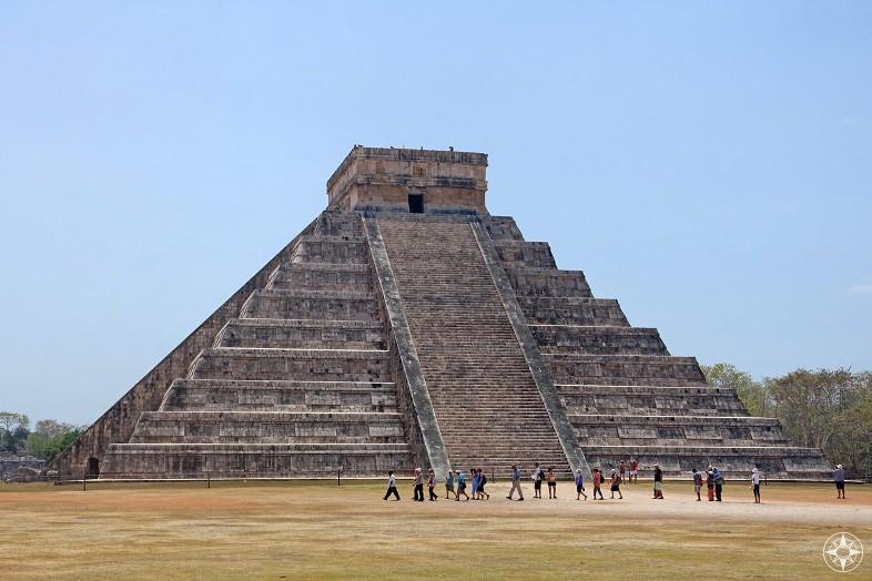 Wonder of the World, Chichen Itza pyramid El Castillo, Temple of Kukulkan, Yucatan, Mexico, Happier Place