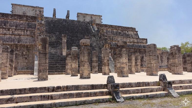 Templo de los Guerreros (Temple of the Warriors) Chichén Itzá, Mexico
