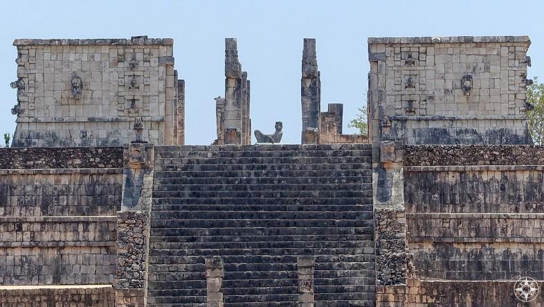 Chac Mool statue Templo de los Guerreros Chichén Itzá, Mexico
