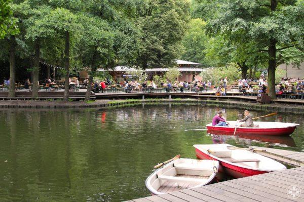 Rental boats and Café am Neuen See in Tiergarten, Berlin.