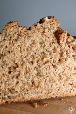 German multigrain multi seed bread with pumpkin, sunflower, flax seeds - recipe, texture, crunchy crust