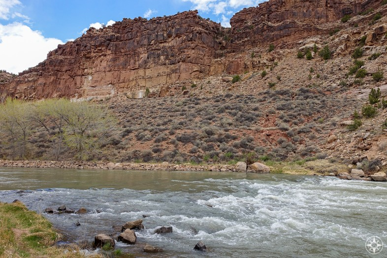 Rio Chama carves its way in-between red rock walls.