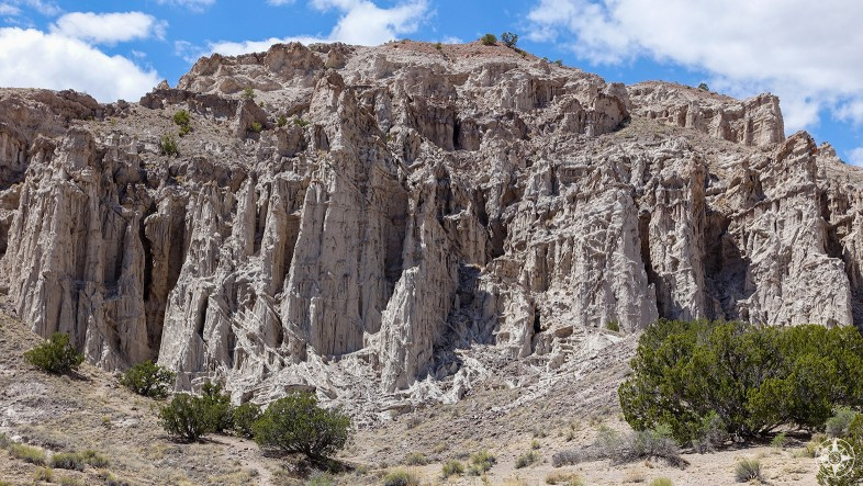 Plaza Blanca, white rock formation wall