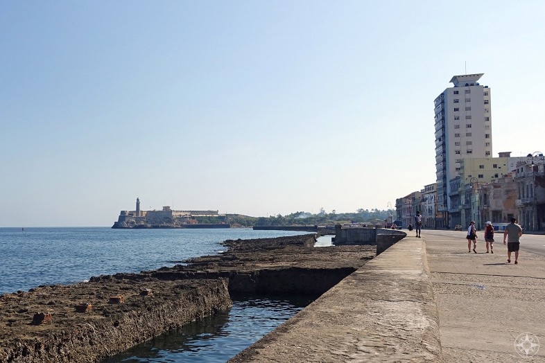 Looking east along the Malecón towards Faro del Castillo del Morro