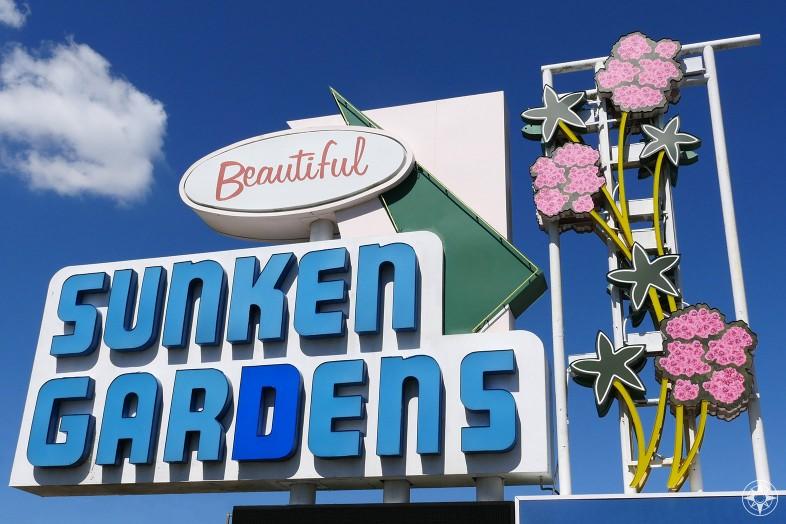 Beautiful Sunken Gardens, St. Petersburg, Florida, oldest roadside attraction sign